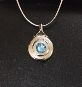 Necklace - Open Hole Key on Chain